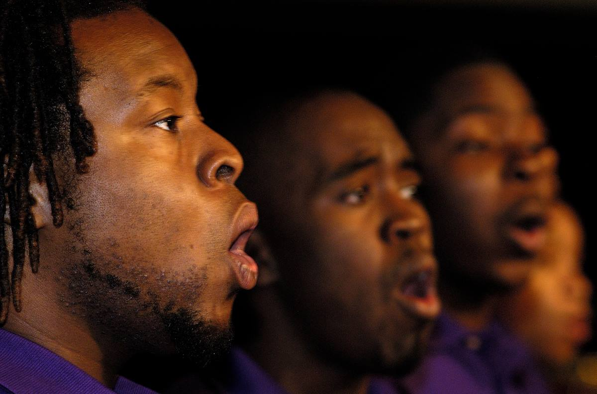 """Members of the Paine College Gospel Choir sing as part of an April 30 service of """"celebrating those who remained and led the way"""" during the 2004 United Methodist General Conference in Pittsburgh. A UMNS photo by Paul Jeffrey."""