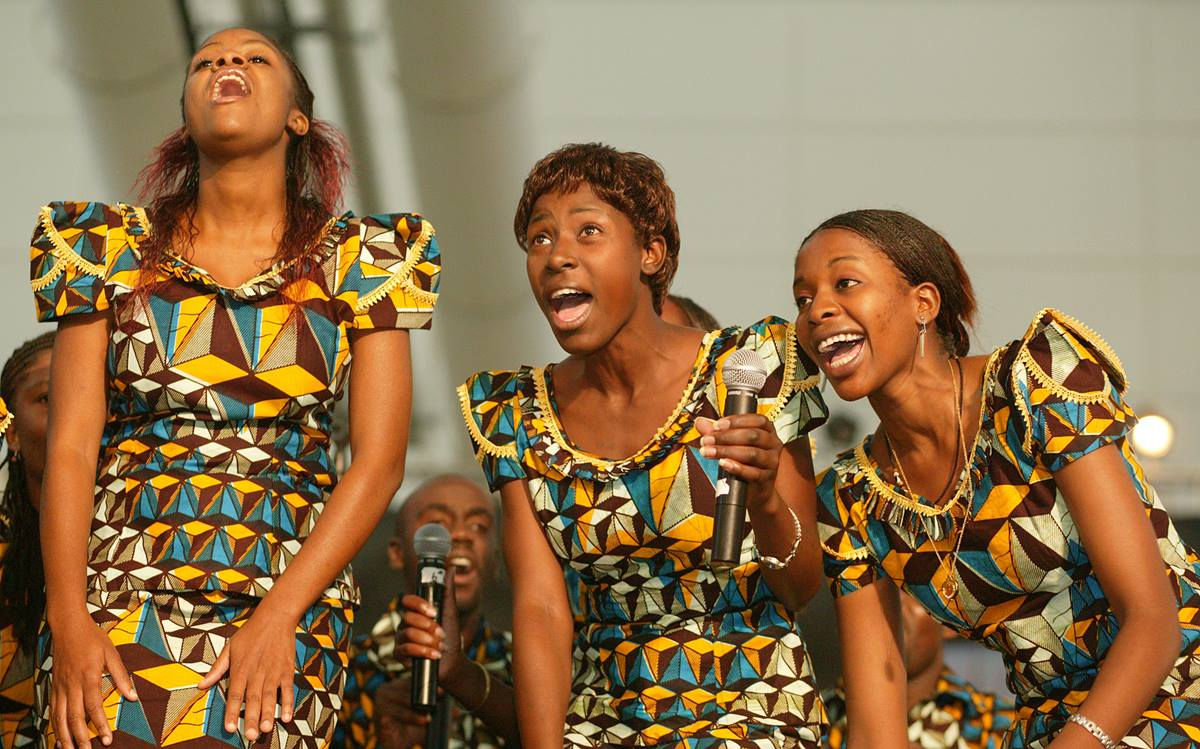 The Africa University Choir sings during a presentation to the United Methodist Church's 2004 General Conference in Pittsburgh. A UMNS photo by Mike DuBose.