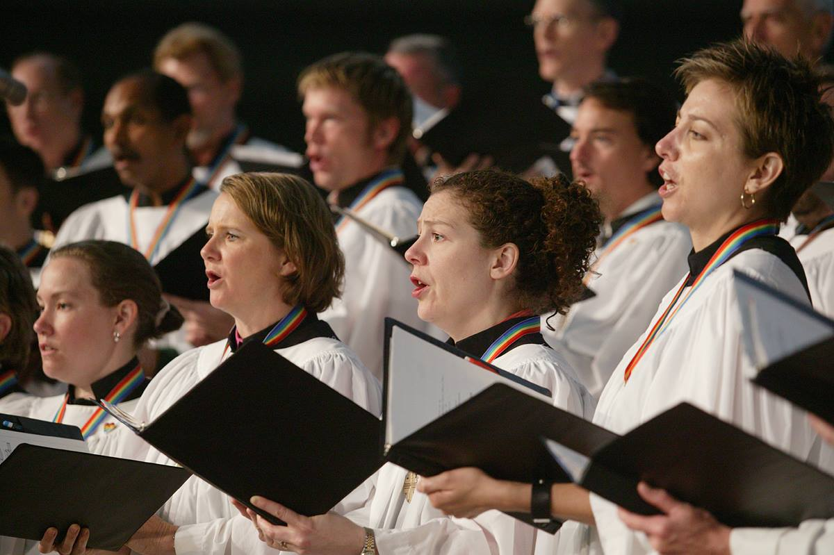 The Bering Memorial United Methodist Church Choir from Houston sings during morning worship on May 7 at the denomination's 2004 General Conference in Pittsburgh. A UMNS photo by Mike DuBose.