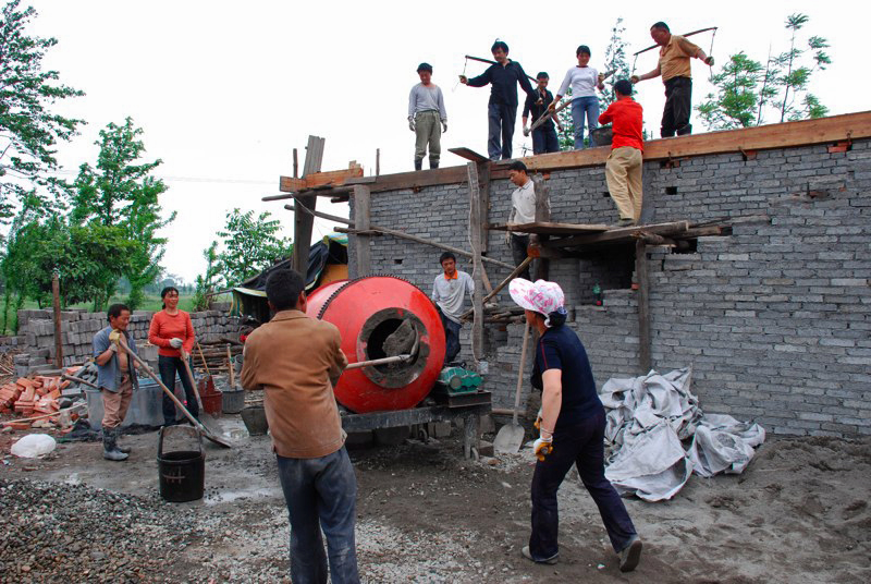 Villagers in Woyun, China, are working to rebuild their town after a May 2008 earthquake. A UMNS Web-only photo courtesy of Amity Foundation.