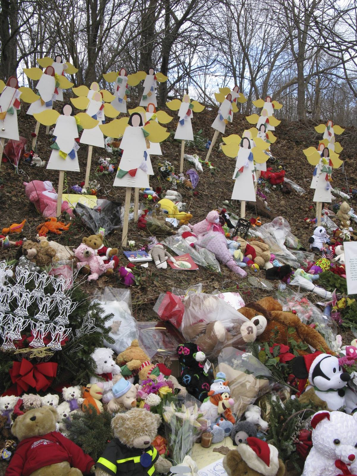 A shrine for the Sandy Hook shooting victims. Photo courtesy Stephen Drachler.