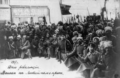 Russian soldiers line the Liteinyi Prospect in Petrograd (now St. Petersburg), Russia, in 1917. A UMNS photo courtesy of the Library of Congress.