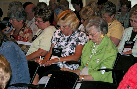 """Participants learn ways to improve their personal prayer lives and local church prayer ministries at the """"Becoming a People of Prayer"""" conference at Brentwood (Tenn.) United Methodist Church. The event was sponsored by the United Methodist Board of Discipleship and Aldersgate Renewal Ministries as a prelude to the 2008 General Conference"""