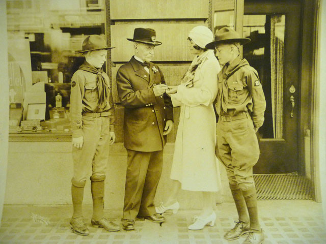 Sonora Smart Dodd (second from right) visits with Boy Scouts and a Civil War veteran in Spokane, Wash., in this undated photograph. Dodd played a pivotal role in the creation of a national Father's Day celebration. Photo courtesy the Dodd family.