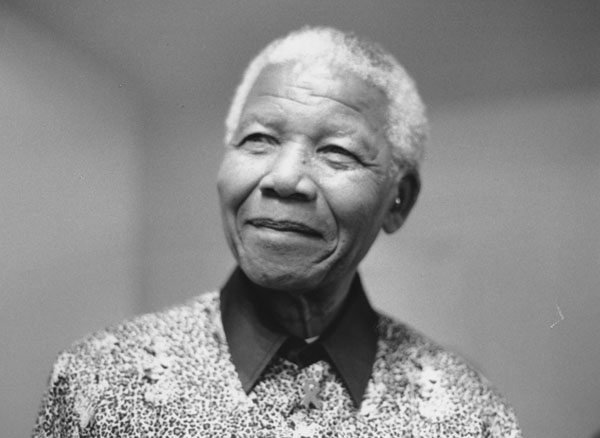 A 2000 photo of Nelson Mandela.