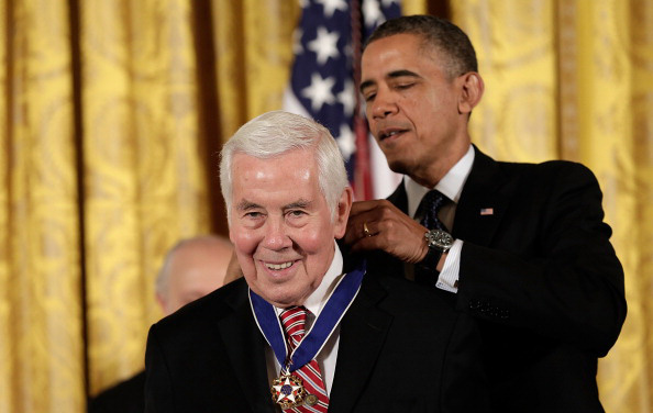U.S. President Barack Obama awards the Presidential Medal of Freedom to former Sen. Richard Lugar, a United Methodist from Indiana, Nov. 20 in the East Room at the White House