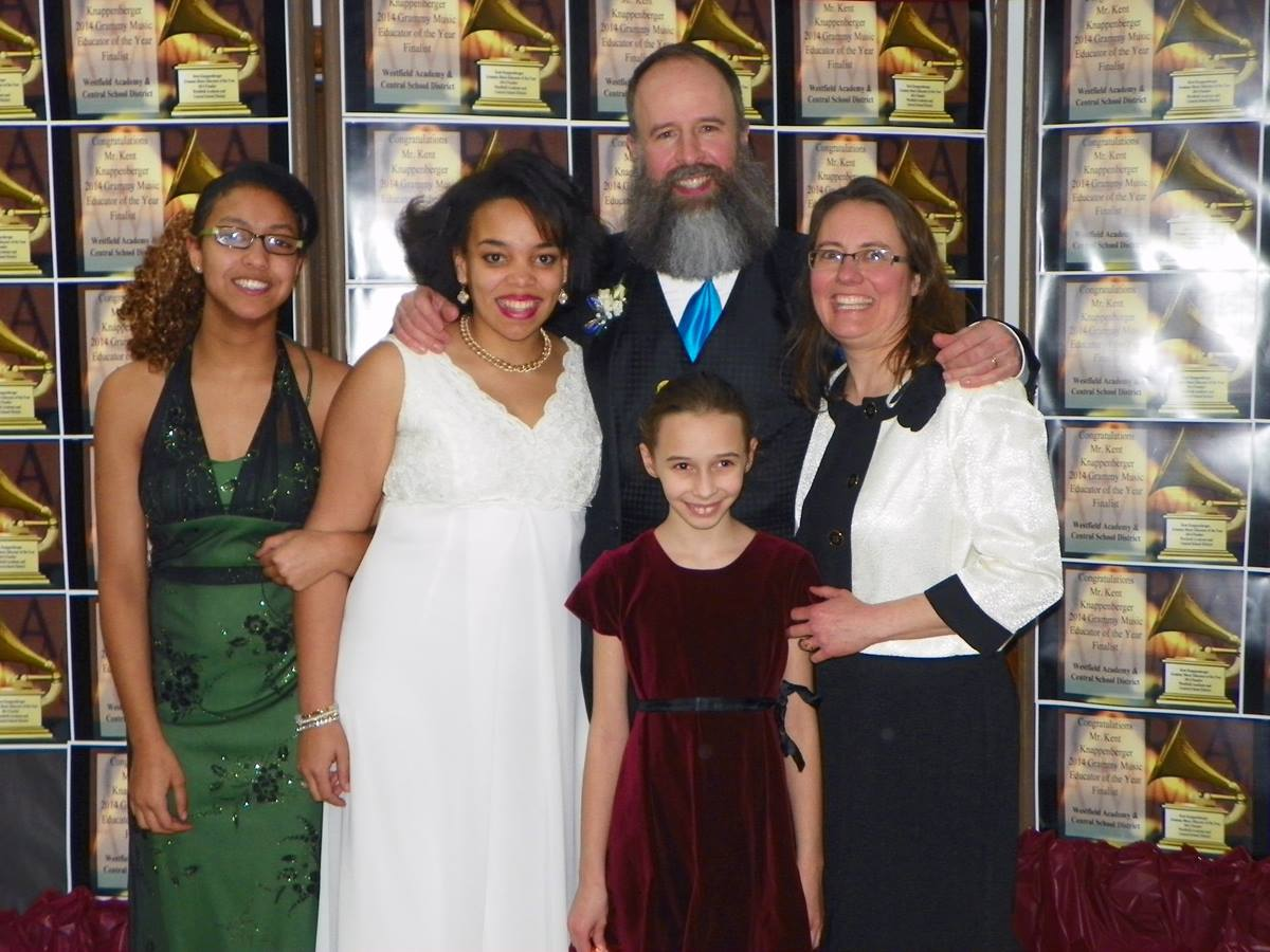Kent Knappenberger and wife Nannette are both musicians and perform together. They took daughters Esther, Lucy and Amanda to the Los Angeles for Grammy weekend.