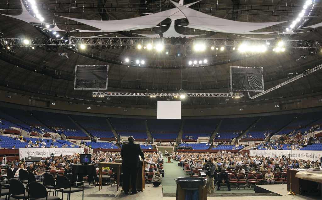 Bishop Gregory Palmer leads closing worship at the 2008 United Methodist General Conference in Fort Worth, Texas.