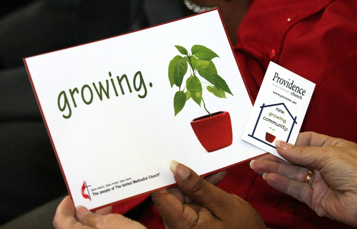 "A card from Providence United Methodist Church in Mount Juliet, Tenn., proclaims ""Growing,"" which is part of the reason that the church is considered a highly vital congregation.  Photo by Ronny Perry, United Methodist Communications"