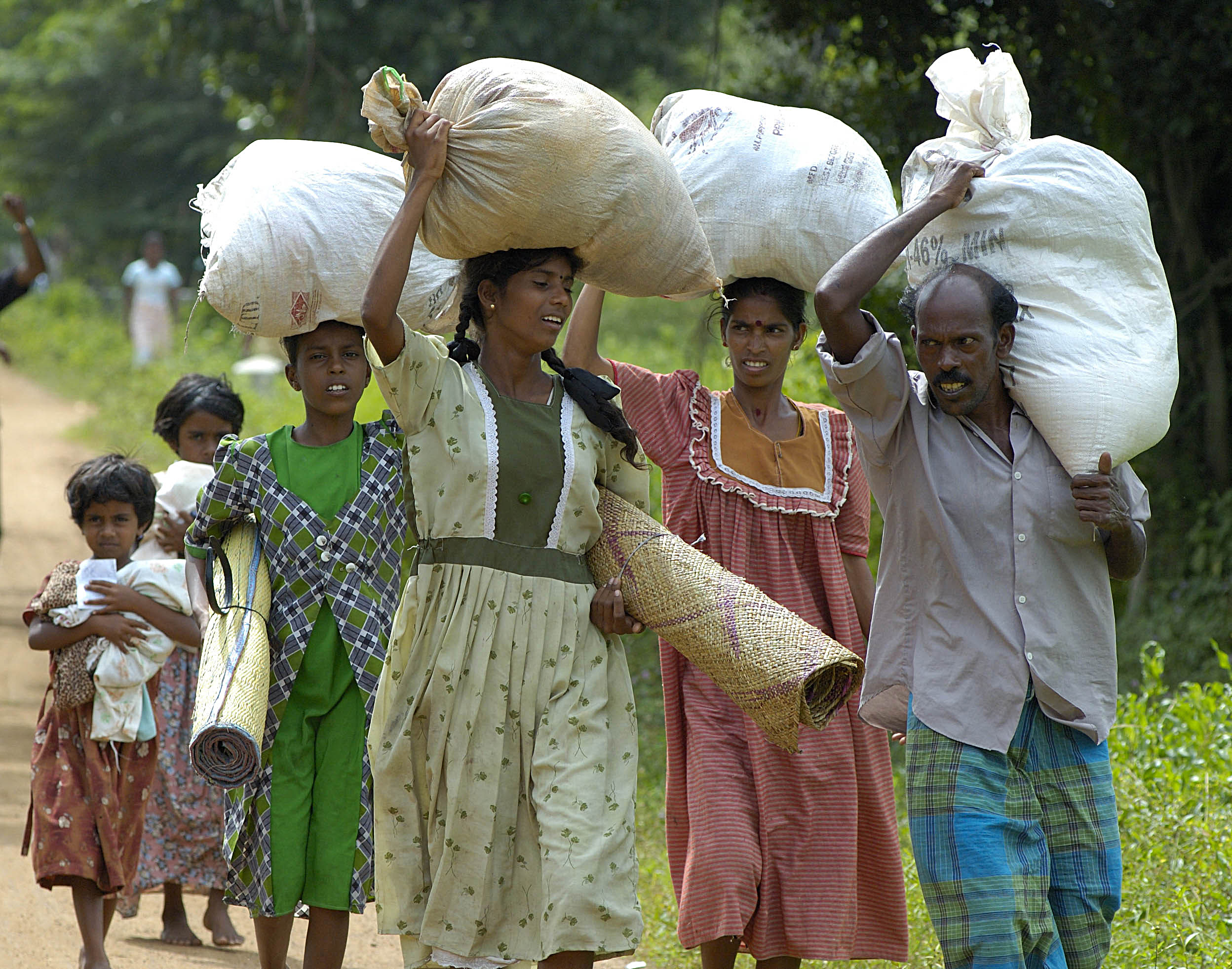 Sri Lankan refugees return home to rebuild their lives. Photo by Paul Jeffrey, ACT International.