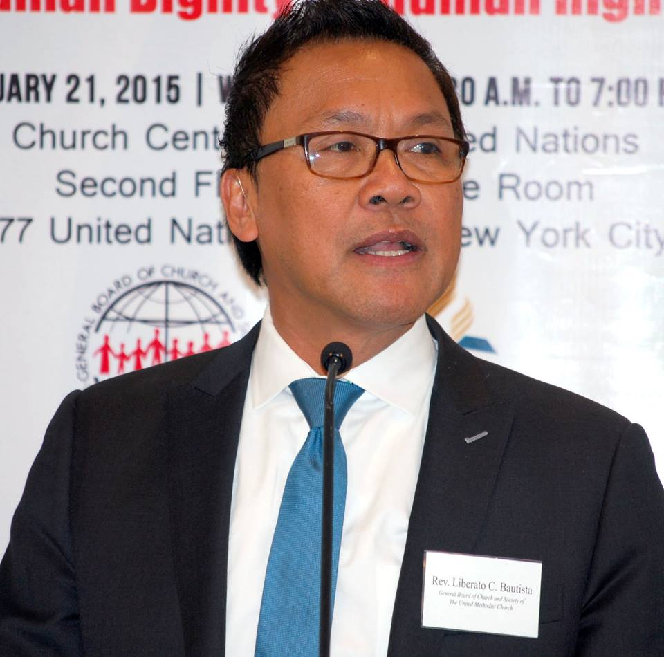 The Rev. Liberato (Levi) Bautista, who heads the U.N. office of the United Methodist Board of Church and Society, discusses the importance role that faith-based groups play in international affairs during a Jan. 21 symposium at the Church Center for the United Nations. Photo by Wayne Rhodes, GBCS
