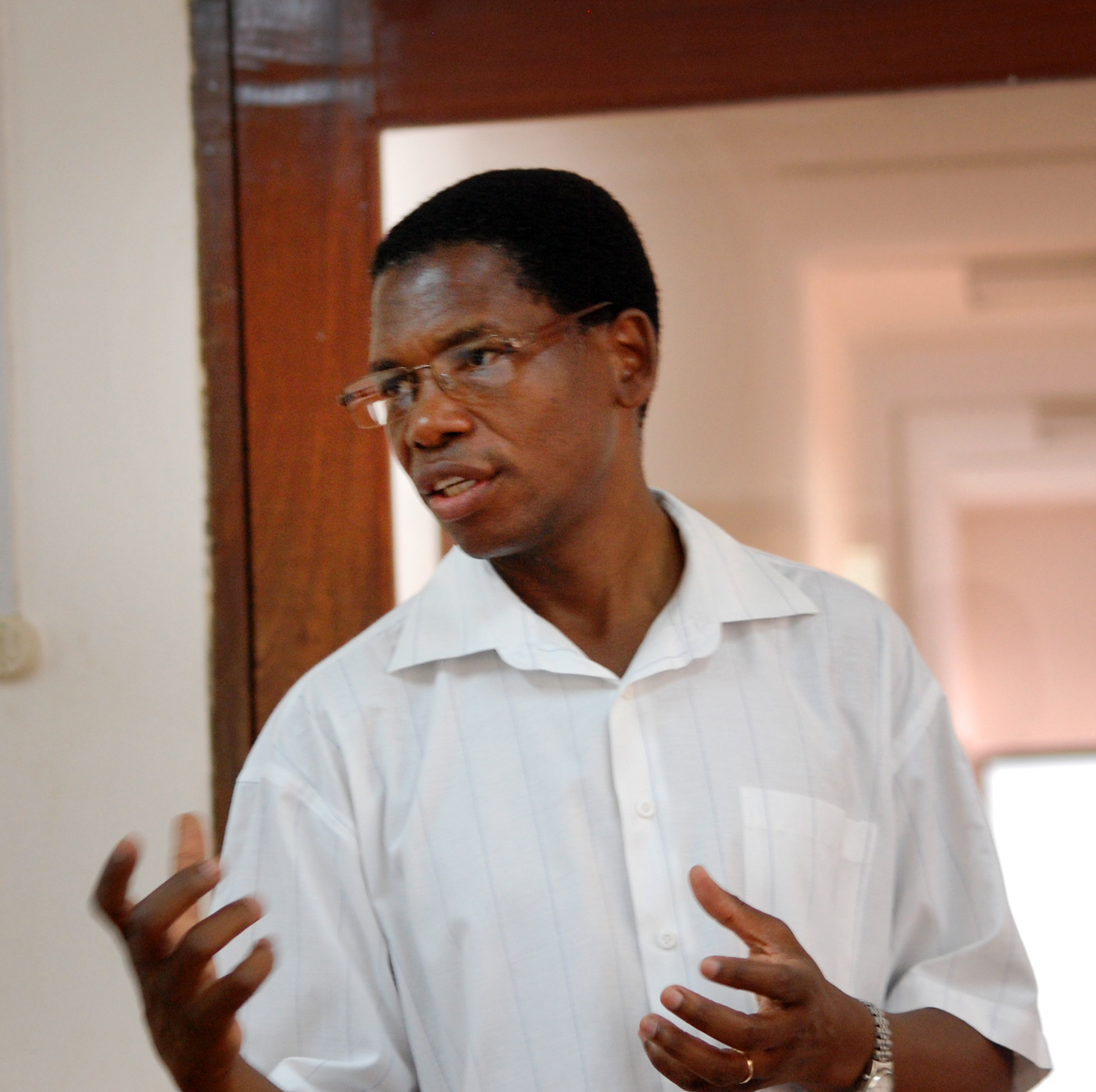 The Rev. Alindo Romão, health coordinator for the Center of Hope in Chicuque, Mozambique speaks to visitors during a 2015 site visit from the Connectional Table. Photo by Keeton Bigham-Tsai
