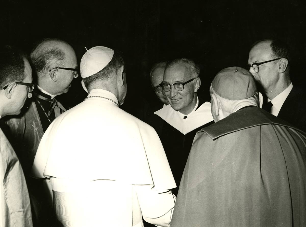 Albert C. Outler meets with Pope Paul VI on Sept. 23, 1964. Photo courtesy of Bridwell Special Collections, Southern Methodist University