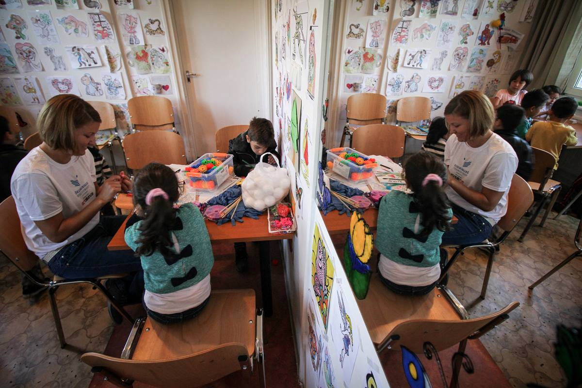 Migrant children ages 3-14 receive psychosocial services provided by Hungarian Interchurch Aid in Budapest. Photo by Photo by Fekete Dániel, HIA-Hungary, ACT Alliance.