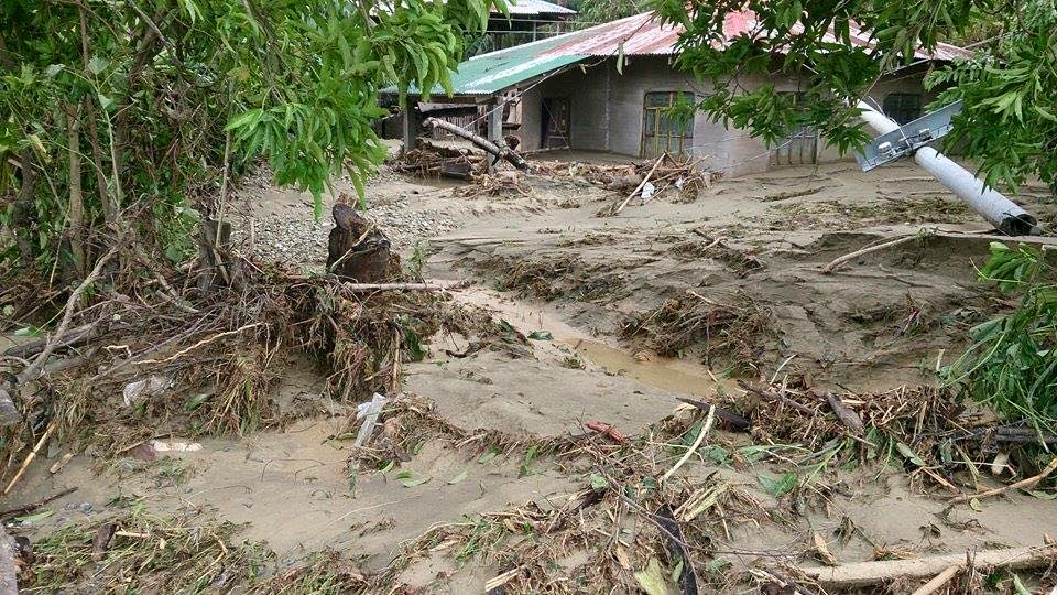 Flooding in the Philippines caused by Typhoon Koppu. Photo courtesy of MidPac United Methodist Youth Fellowship