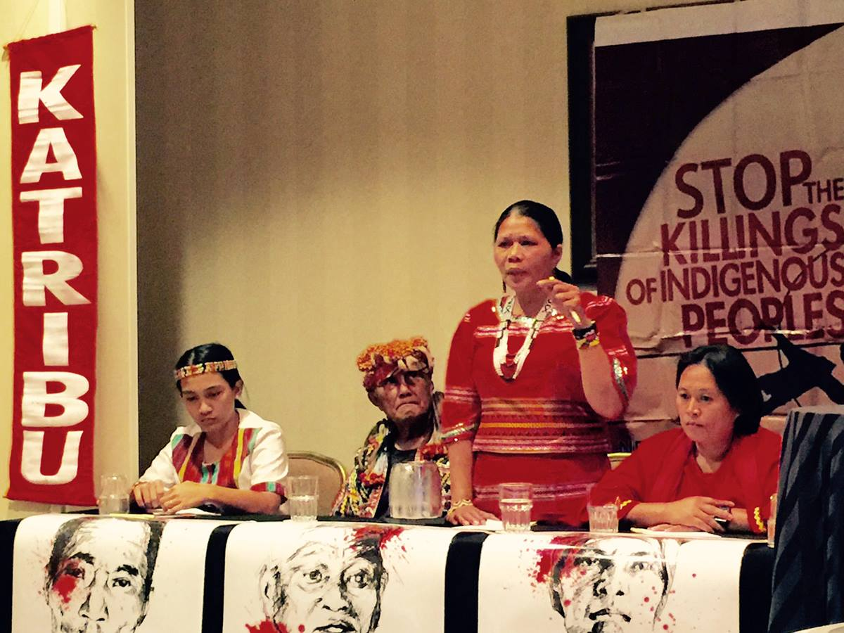 Bai Norma Capuyan addresses the Asia Pacific workshop at the Ecumenical Advocacy Days in Washington, D.C. Capuyan is a Manobo and a leader of Apo Sandawa Lumadnong Panaghiusa of Cotabato. With her are other indigenous peoples in the delegation.