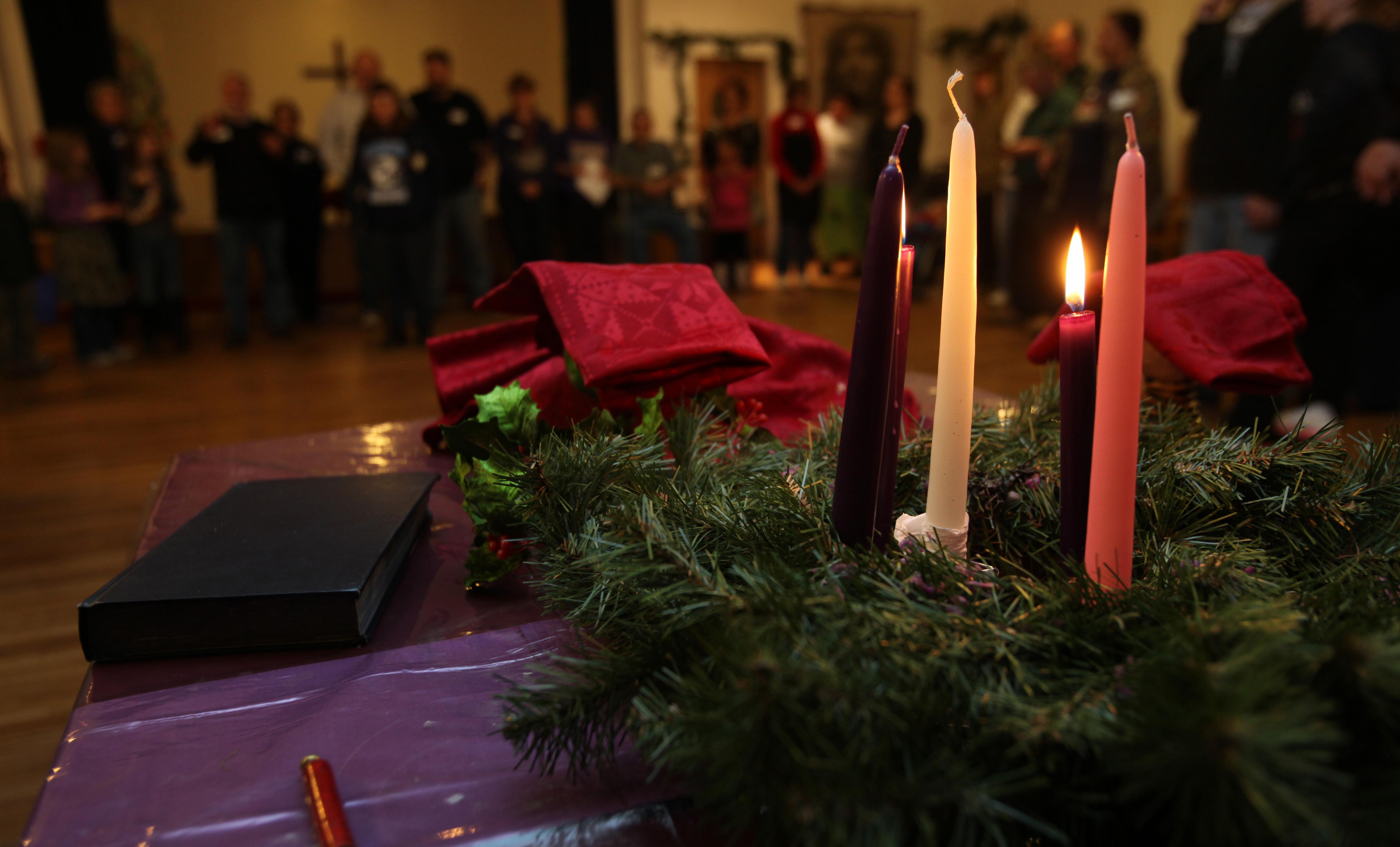 Durante cada domingo del Adviento, nos enfocamos en una de las cuatro virtudes que Jesús nos trae: Esperanza, Amor, Alegría y Paz. Foto por Kathleen S. Barry