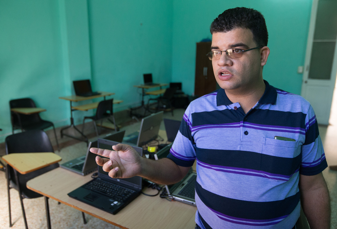 Samuel Figueredo is the engineer in charge of information technology at Cuba's Evangelical Methodist Seminary in Havana. Photo by Mike DuBose, UMNS.