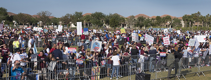 Supporters filled Pine Lake Park on March 24 in support of students from Marjory Stoneman Douglas High School. The Parkland, Fla., rally was one of more than 800 held around the U.S. Photo by Kathy L. Gilbert, UMNS.