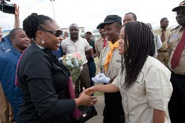 Nyamah Dunbar (right) greets South African singer and anti-malaria ambassador Yvonne Chaka Chaka in Lubumbashi, Democratic Republic of the Congo in April 2010.