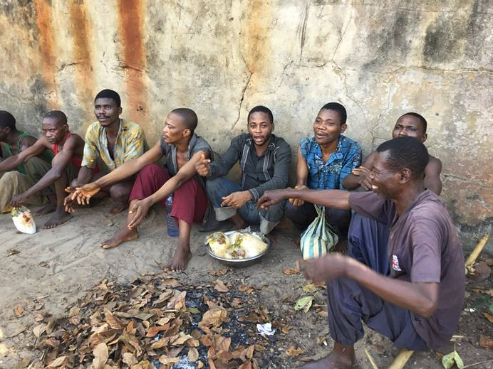 More than 130 prisoners enjoyed a special meal prepared by members of The United Methodist Church of Southern Lodja, Congo. Photo by François Omanyondo Djonga, UMNS.