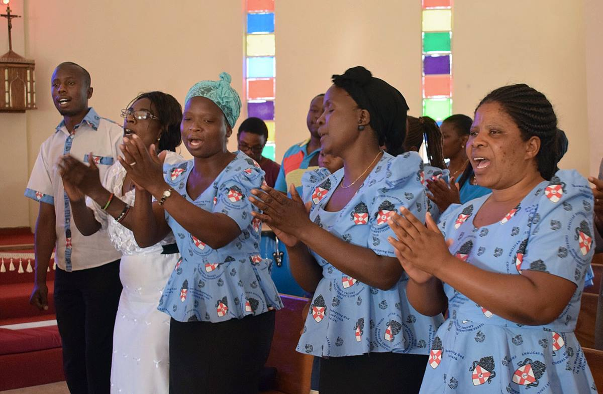 A praise team helps lead worship at St. Mary's Anglican Church in Chitungwiza, Zimbabwe, during an interdenominational prayer for peace in the country following election-related violence. Photo by Eveline Chikwanah, UMNS.