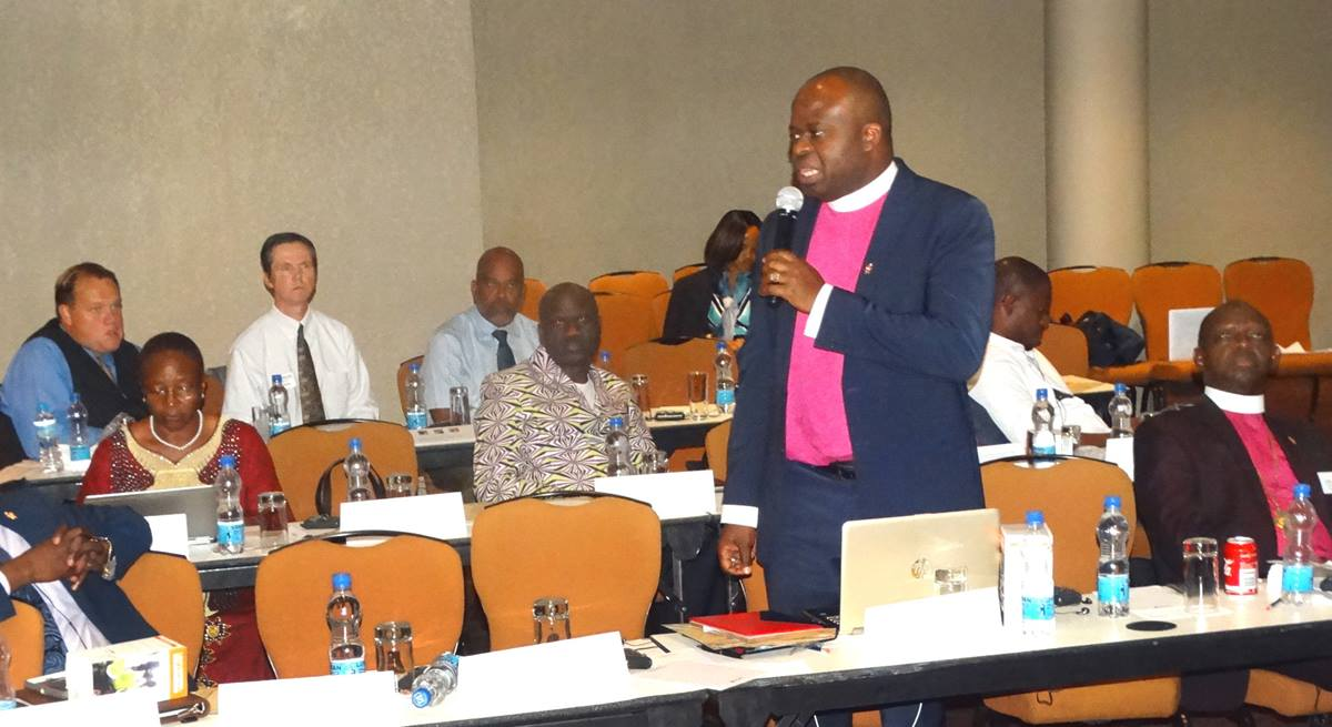 North Katanga Area Bishop Mande Muyombo speaks about the benefits of a United Methodist Communications project in his episcopal area. Muyombo spoke during at presentation Sept. 4 at an Africa College of Bishops' retreat Freetown, Sierra Leone. Photo by Phileas Jusu, UMNS.
