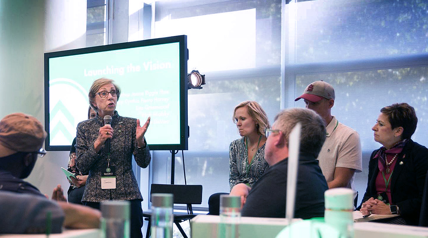 Bishop Janice Riggle Huie leads a session at the recent Texas Methodist Foundation-sponsored Courageous Leadership Initiative launch in St. Louis. Huie joined the foundation staff after retiring from the active episcopacy. Photo courtesy Texas Methodist Foundation.