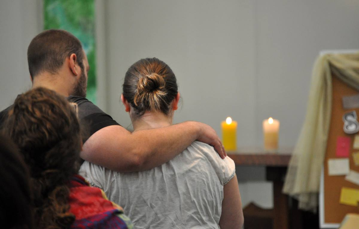 Claremont School of Theology students join in a campus worship service. The financially embattled United Methodist seminary continues to point toward a relocation from Claremont, Calif., to Willamette University in Salem, Oregon. Photo courtesy Claremont School of Theology.
