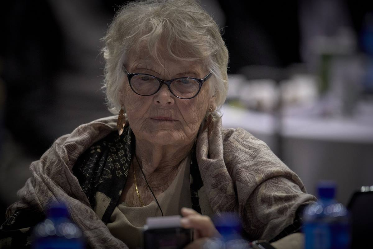 Delegate Norma Kehrberg uses an electronic voting machine during a Feb. 24 plenary session of the special General Conference of The United Methodist Church, held in St. Louis. Photo by Paul Jeffrey, UMNS.