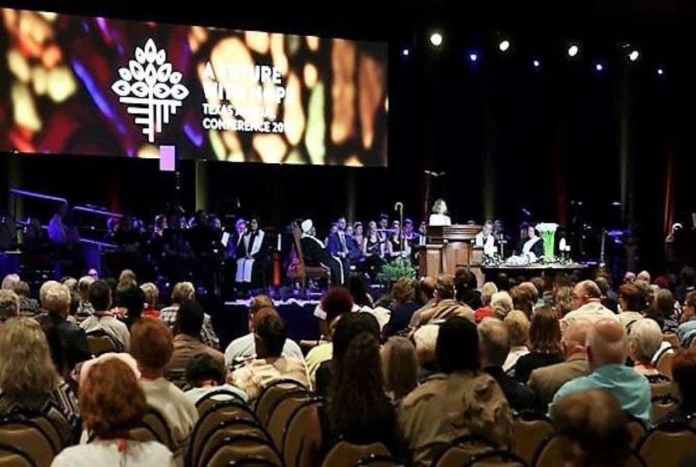 텍사스연회(휴스턴) 첫날인, 2019년 5월 27일 예배 광경. 사진 출처, 텍사스연회 페이스북.