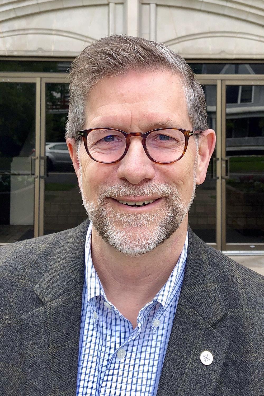 Le Révérend Steven W. Manskar.  Photo de l'Église Méthodiste Unie Trinity.
