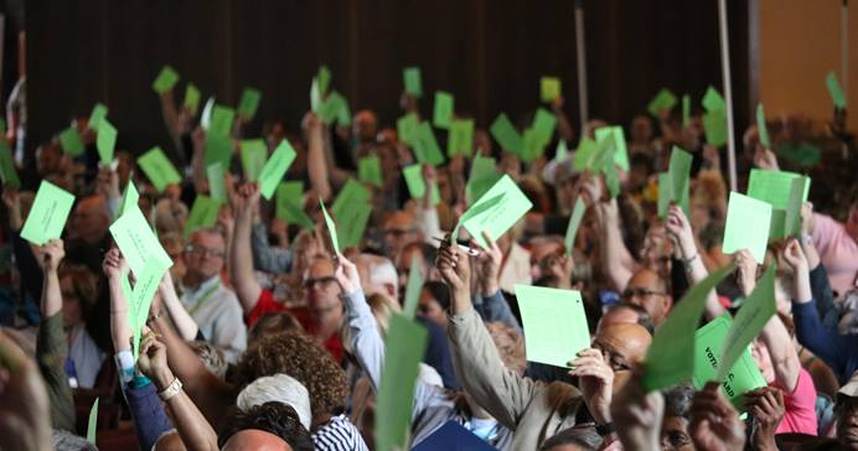 동오하이오연회의 성직자와 평신도들이 레이크사이드 쇼타우쿠아에서 열린 2019 연회 모습. 동오하이오연회는 전통주의 플랜을 지지자와 반대자를 골고루 대의원으로 선출했다. 사진, 브렛 헤더링턴, 동오하이오연회.