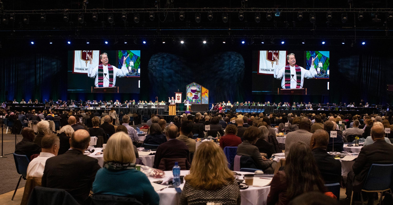 지난 2 월 세인트루이스에서 열린 2019년 연합감리교회 특별총회에서 개회예배를 드리는 모습. 사진 캐트린 배리, 연합감리교회 뉴스.