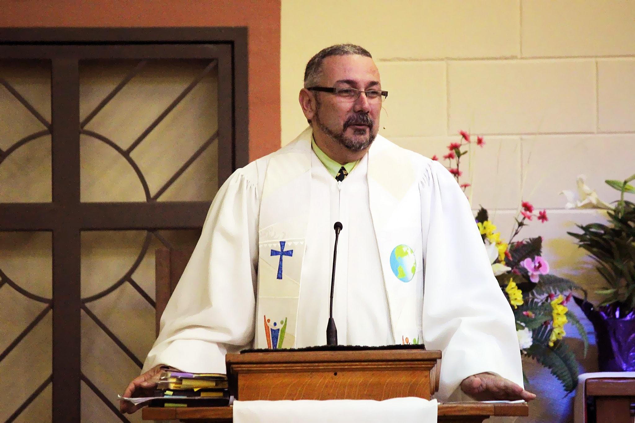 El Rev. Santos trabajará colaborando en el desarrollo e implementación de un nuevo enfoque para los Ministerios Hispano-Latinos en el Pacífico-Noroeste. Foto cortesía Rev. Cruz Edwin Santos.