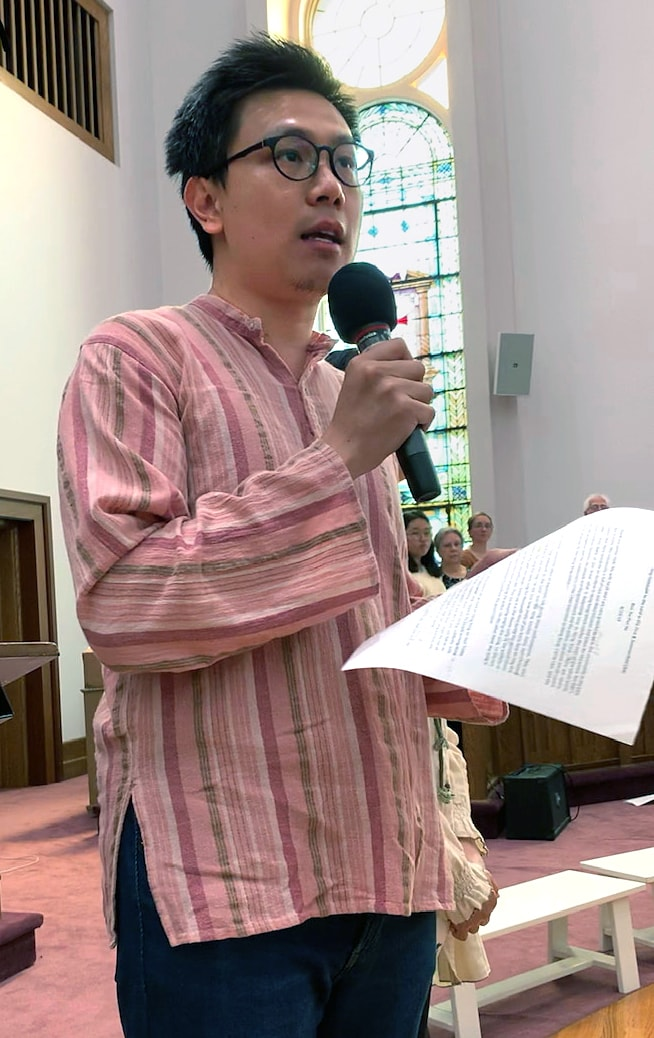 Ben Ho, a Methodist from Hong Kong, talks about recent protests in Hong Kong during a worship service at First and Summerfield United Methodist Church in New Haven, Conn. Photo by Vicki Flippin.