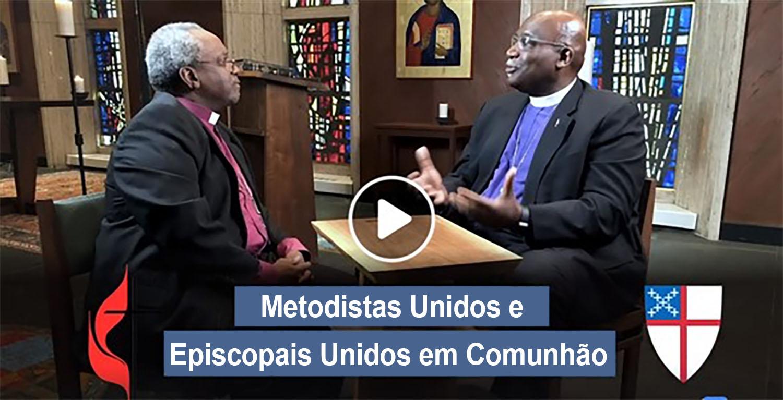 O bispo Gregory Palmer (co-presidente da comissão de diálogo) e o bispo presidente da Igreja Episcopal Michael Curry discutem a plena comunhão entre as duas denominações. Foto cedida pelo Concílio de Bispos da Igreja Metodista Unida.