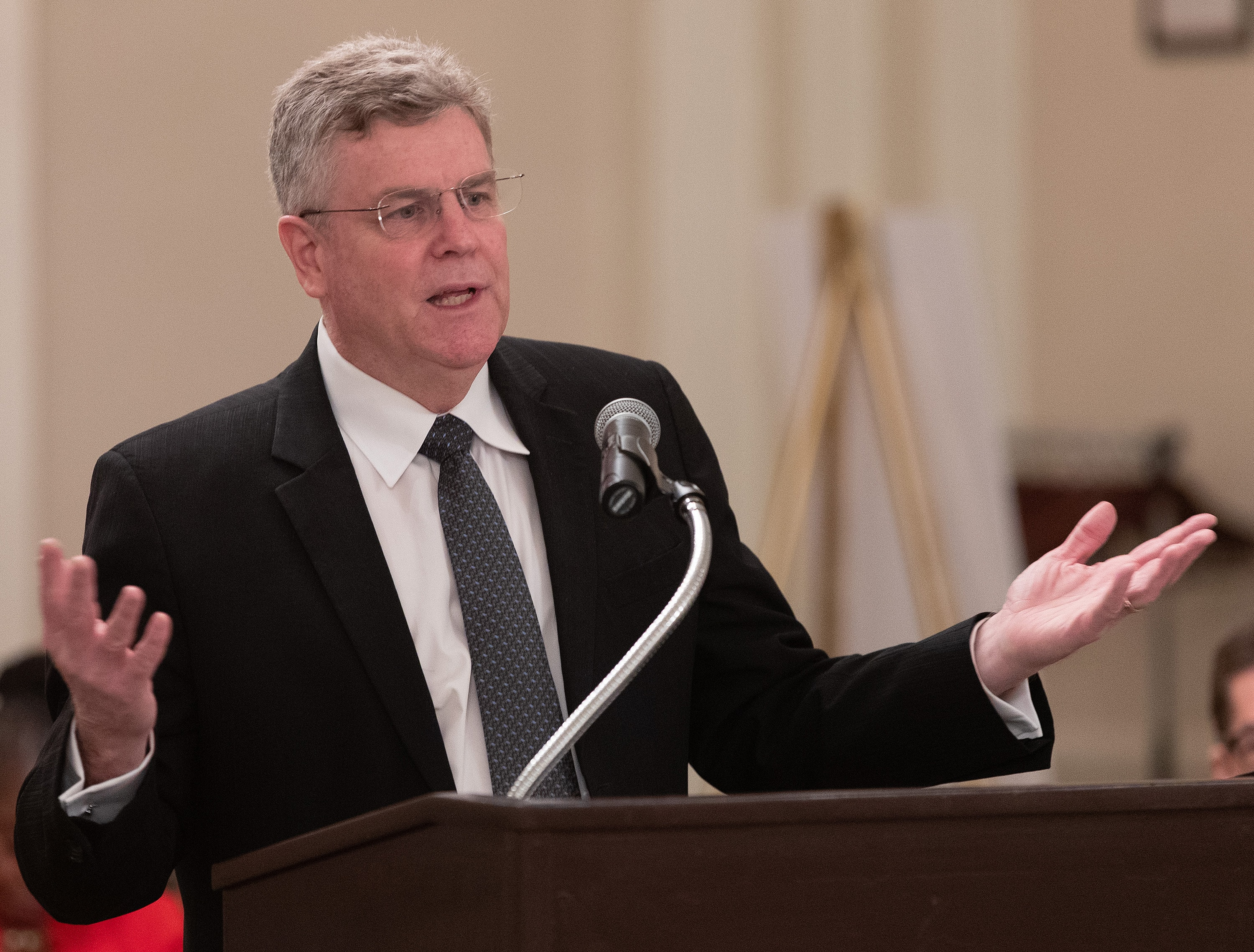 Attorney William Waddell speaks during an oral hearing before the United Methodist Judicial Council meeting in Evanston, Ill. Waddell serves as legal advisor to the United Methodist Council of Bishops. Photo by Mike DuBose, UM News.