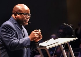 The Rev. Kenneth Levingston of Jones Memorial United Methodist Church in Houston speaks at the Wesleyan Covenant Association Global Gathering, held Nov. 9 in Tulsa, Okla. Photo by Sam Hodges, UM News.