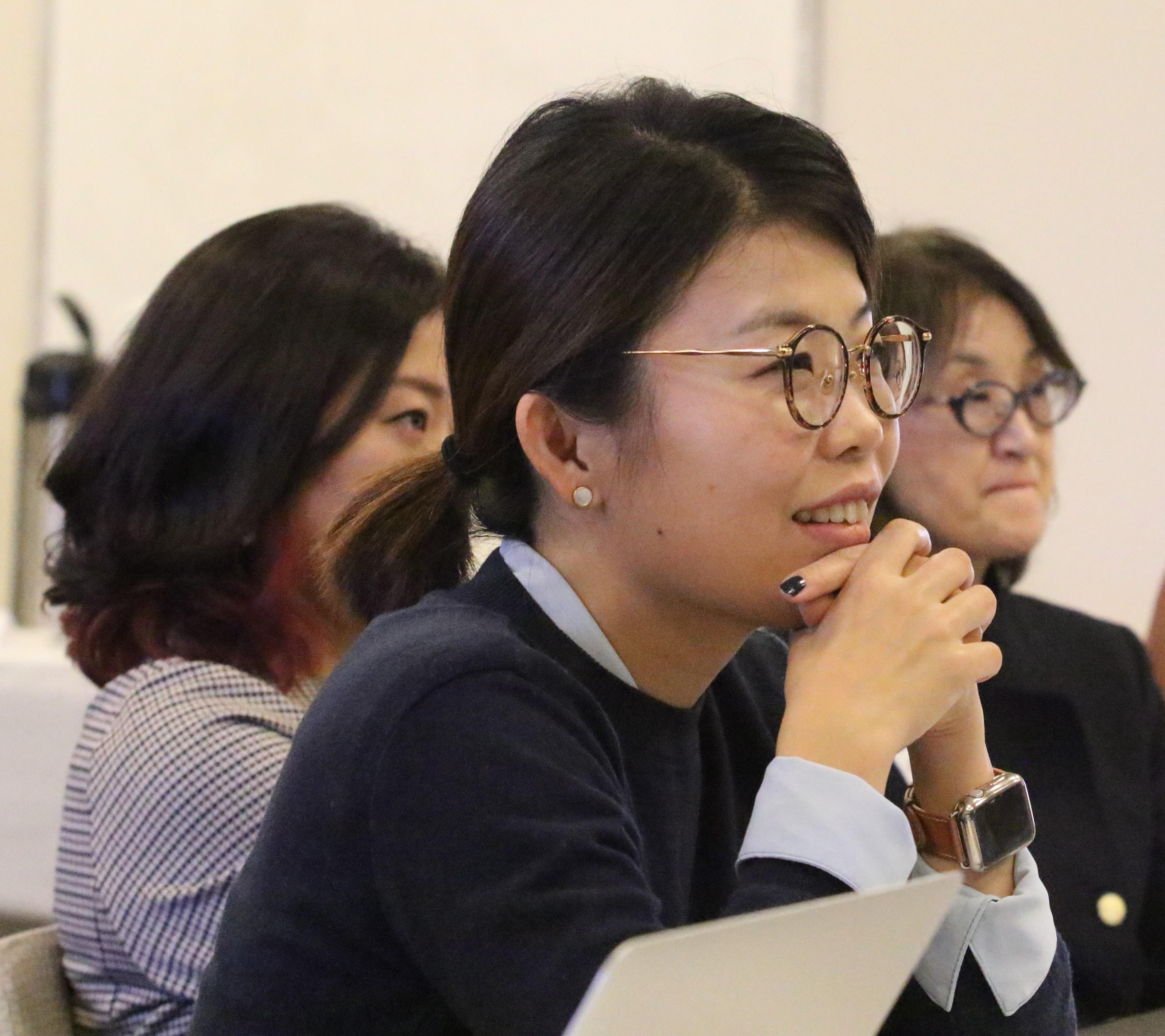 현혜원 목사가 평화학교에 참석해서 강의를 듣고 있다. 사진 김응선 목사, 연합감리교뉴스.