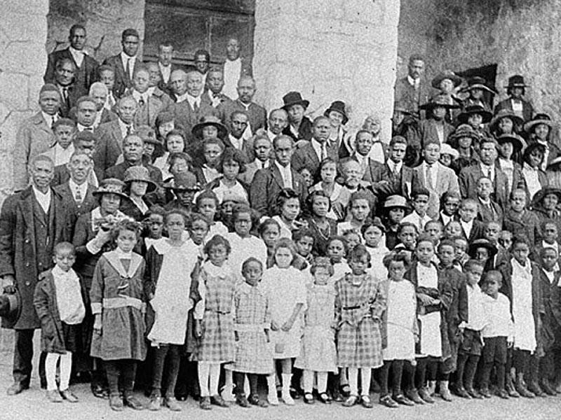 아프리카시온감리교회 교인들이 부활주일에 모여 찍은 사진, 1925. 아프리카시온감리교회는 1821년 뉴욕에서 설립되어, 남북전쟁 중 남부로 이동하여 새로 해방된 노예들을 보살폈다. 사진, new Georgia Encyclopedia에서 발췌. https://www.georgiaencyclopedia.org/articles/arts-culture/methodist-church-overview#African-Methodist-Episcopal-Church,-Zion
