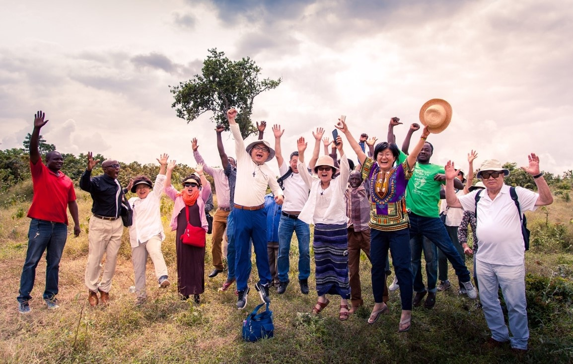 2017년 7월 탄자니아에 단기선교팀으로 방문한 강원근 목사와 선교팀원들. 사진 제공, 김영선 목사.