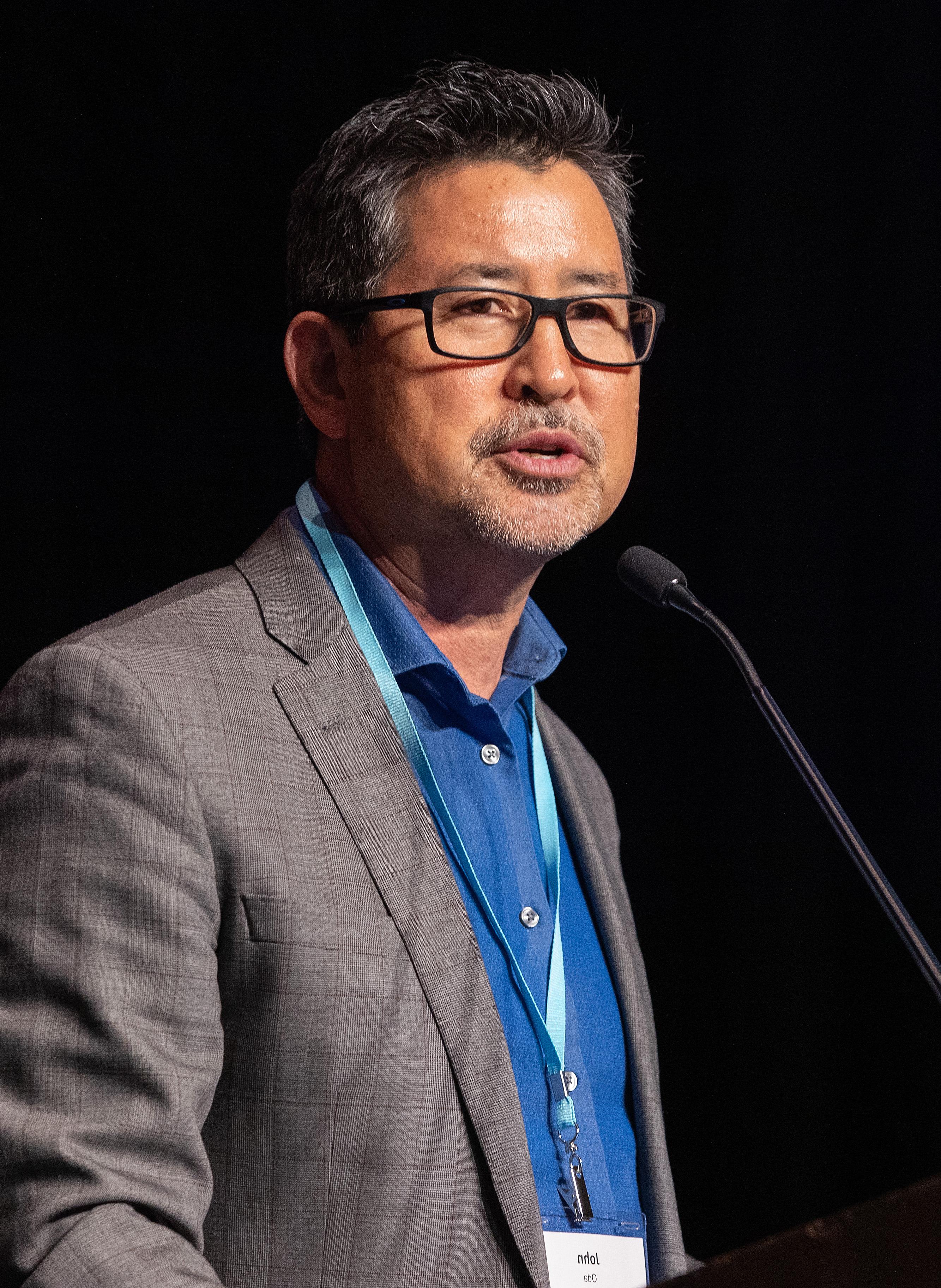 Rev. John Oda, Gerente del Plan para el Ministerio de Lengua Asiático-Americana. Foto Mike DuBose, Noticias MU.