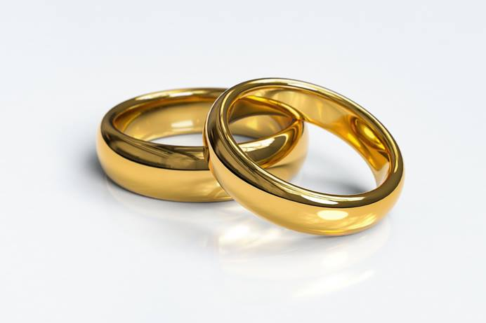 Two rings symbolize the marriage union. At least 466 United Methodist clergy have agreed to be part of Marriage Rites, which aims to connect LGBTQ couples with United Methodist wedding officiants. Image by Arek Socha, courtesy of Pixabay.