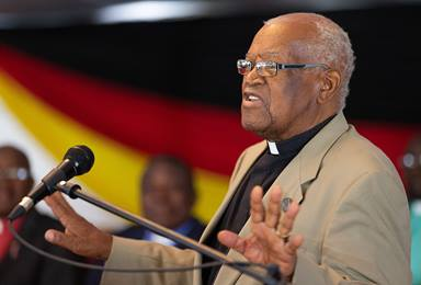 The Rev. John Wesley Z. Kurewa helps lead Sunday worship during the 25th anniversary celebration for Africa University in Mutare, Zimbabwe, in March 2017. Kurewa, the United Methodist institution's founding vice chancellor, died Feb. 15 in Harare, Zimbabwe. He was 87. File photo by Mike DuBose, UM News.