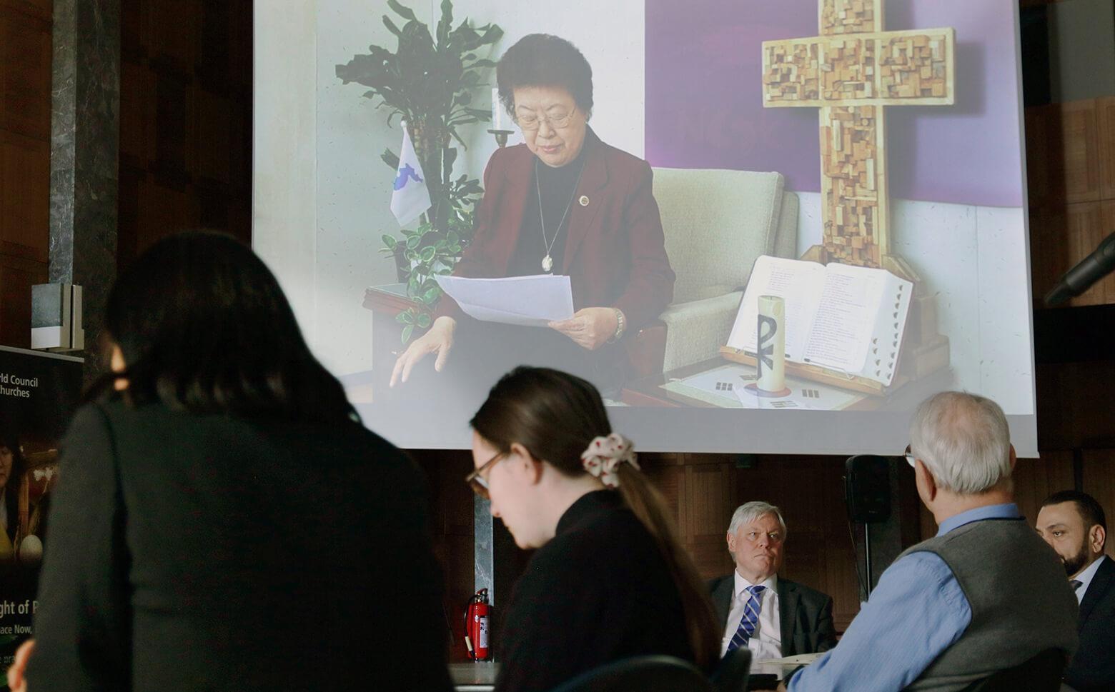 """Del 1 de marzo al 15 de agosto de 2020 se realizará una campaña mundial de oración por la paz en la Península de Corea, invitando a cientos de miles de personas en todo el mundo a decir:"""" ¡Oramos, por la paz y el fin de la guerra!. La campaña comenzó el 6 de febrero con un evento transmitido en vivo organizado por el Consejo Mundial de Iglesias (CMI) en Ginebra, con los eventos correspondientes el mismo día en Washington y Seúl. Foto de Ivars Kupcis, CMI."""