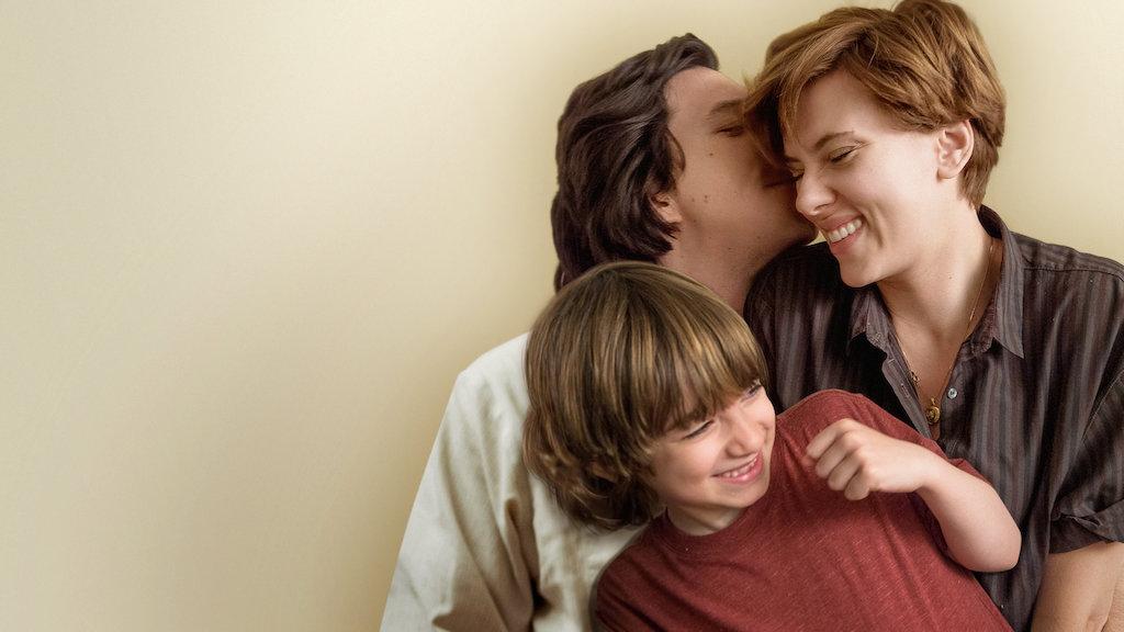 영화 감독 노아 바움백(Noah Baumbach)은 영화 <결혼 이야기>는 이혼의 위기에 처했다가 다시금 재결합하는 모습을 절제 있고 호소력 있게  그려냈다. 넷플릭스의 홍보 영상. Publicity still courtesy of Netflix.com.
