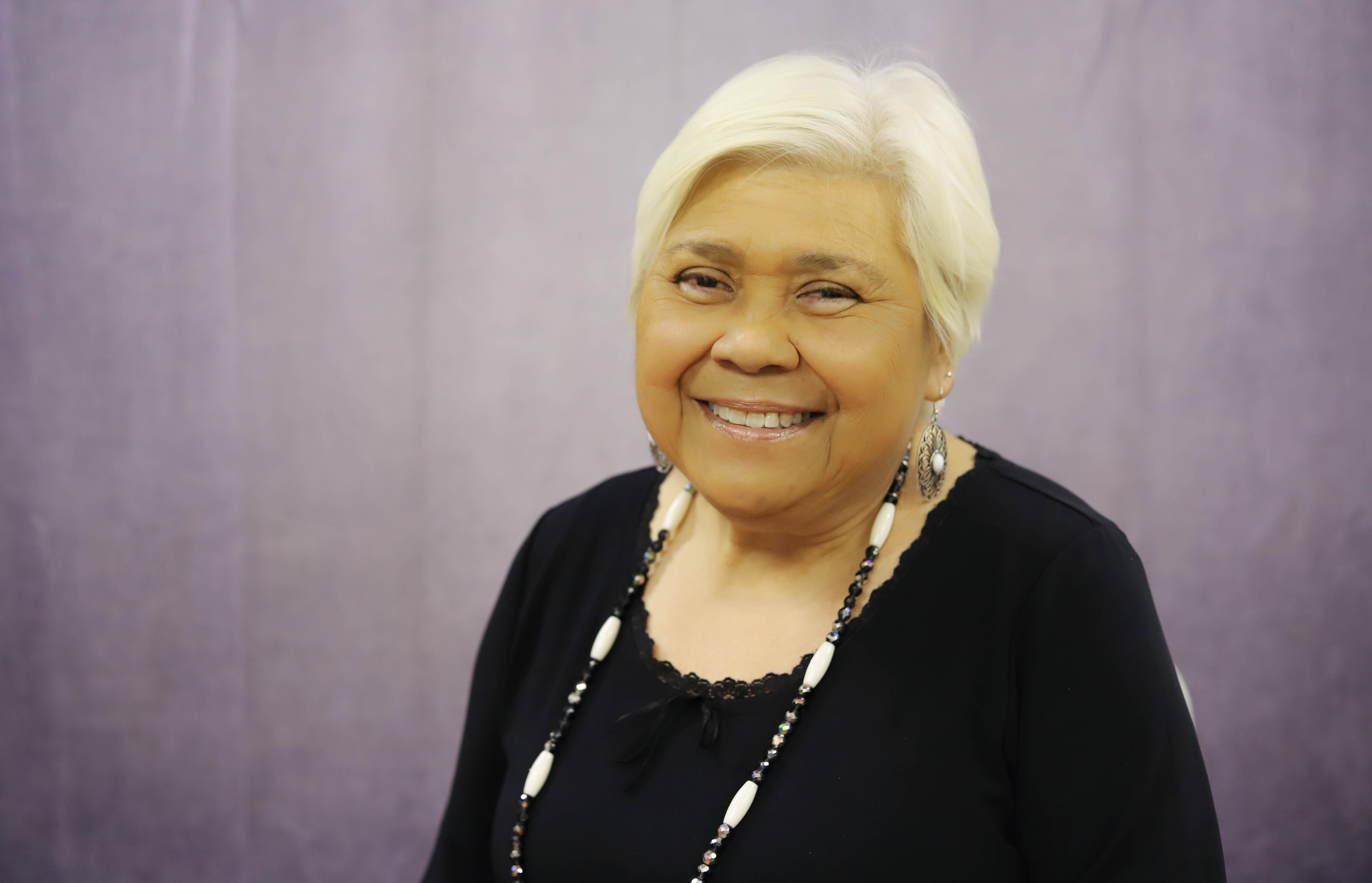 Anne Marshall, cujo marido, Raymond Johnson, estava entre as 168 pessoas que morreram no bombardeio do edifício federal Alfred P. Murrah, em 1995, em Oklahoma City. Foto cortesia da Conferência Missionária Indígena de Oklahoma.