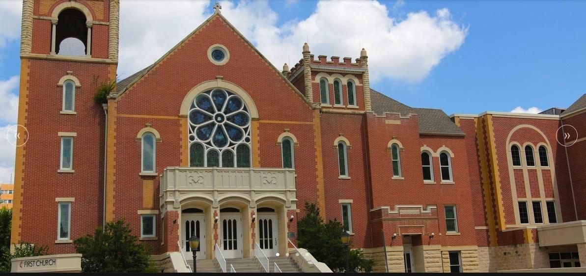 Primera Iglesia Metodista Unida de Oklahoma City, afectada por la explosión de 1995, debido a su proximidad al Edificio Federal Alfred P. Murrah. Foto cortesía de The City Sentinel.
