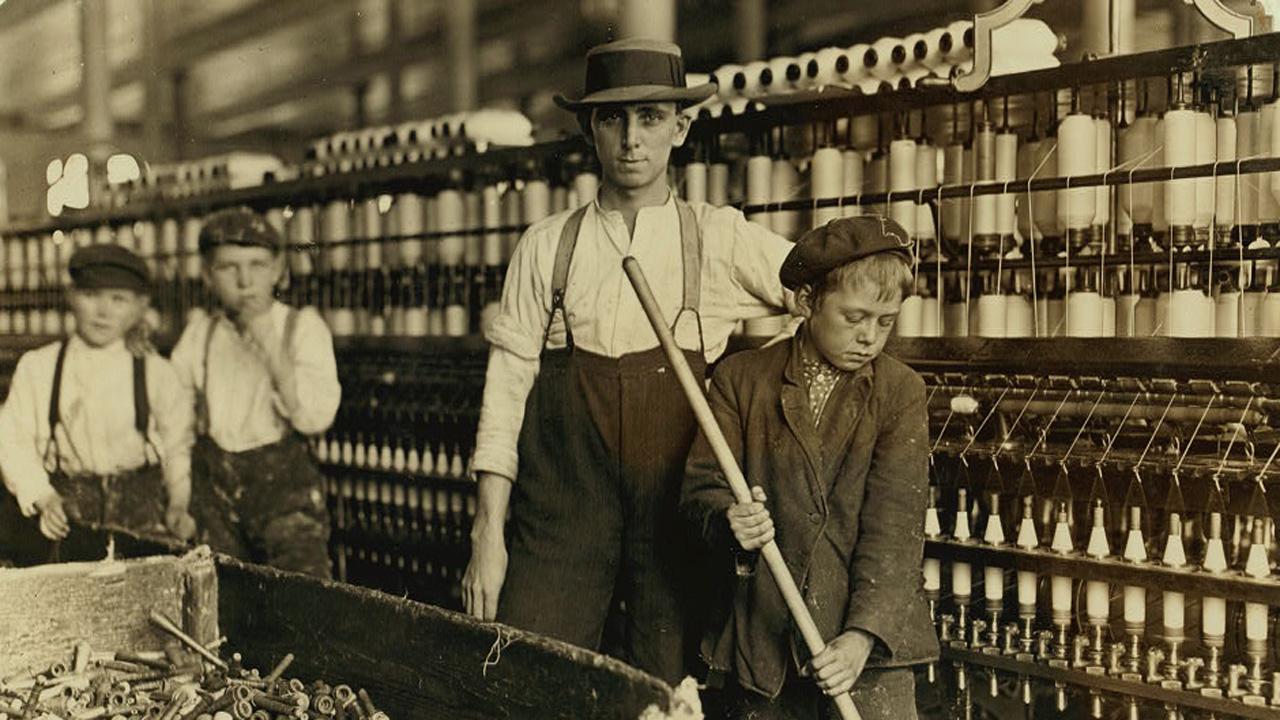 Collection du Comité national sur le travail des enfants par Lewis Wickes-Hine, avec l'aimable autorisation de la Bibliothèque du Congrès Américain.